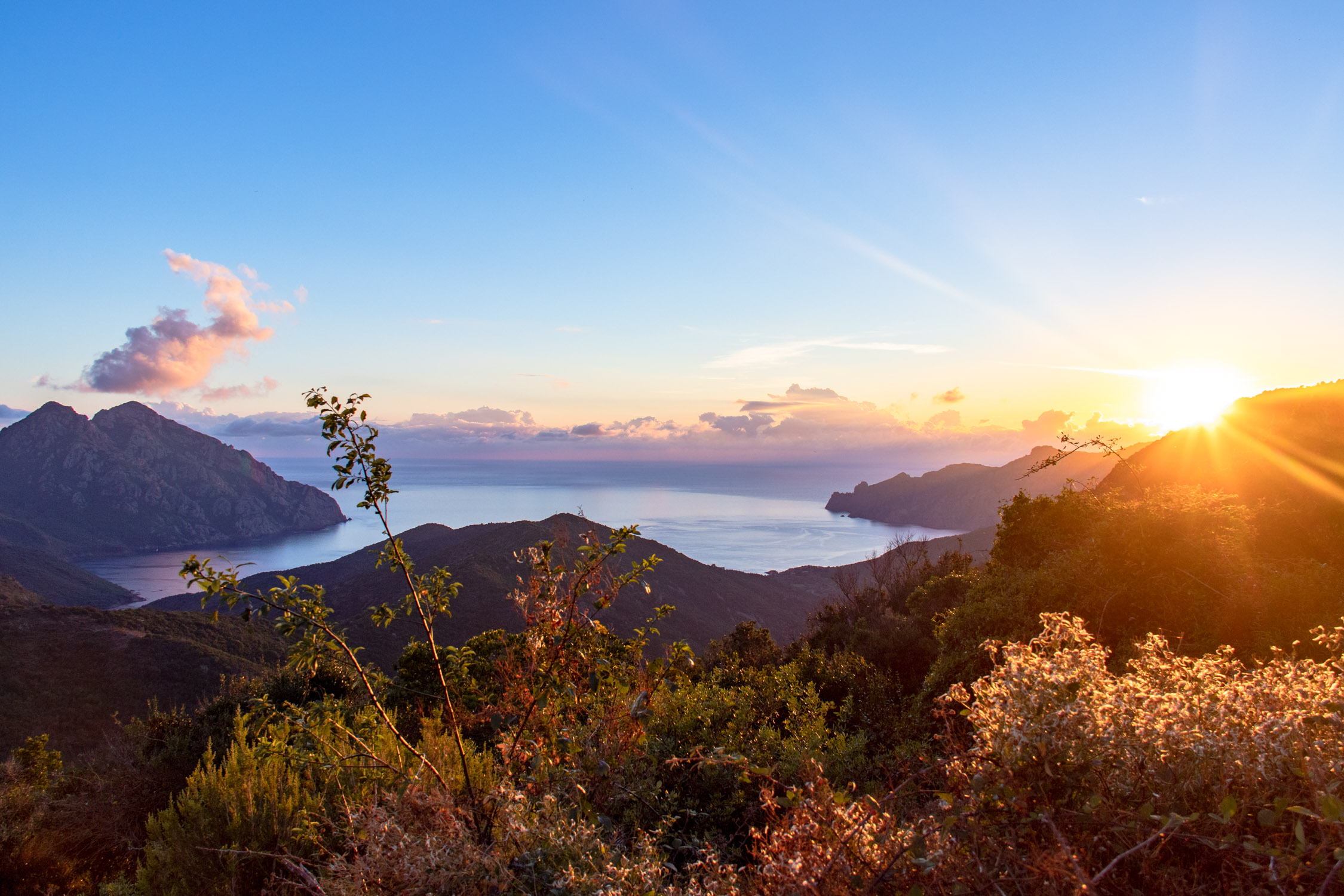 Zonsondergang op Corsica